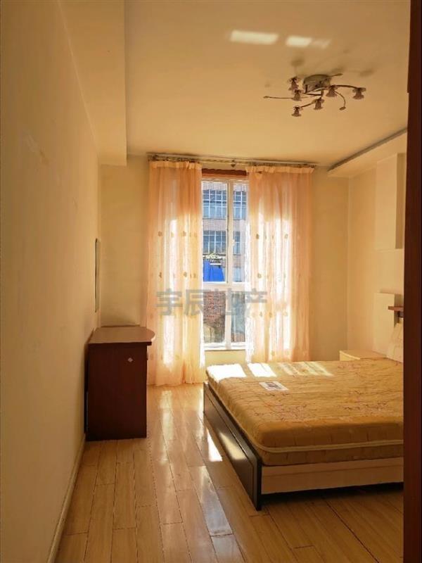 翰林院3室 2廳 2衛42萬元