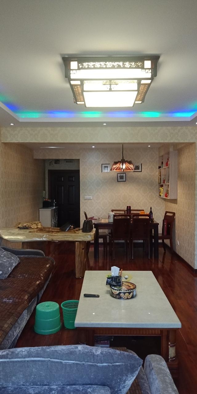 世纪五龙城3室 2厅 1卫72万元