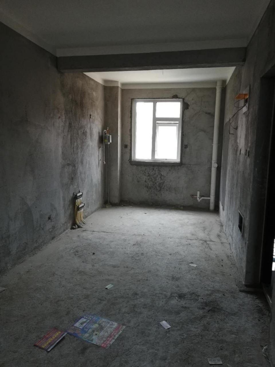 新公安局附近复式楼3室2厅1卫75万有证可按揭