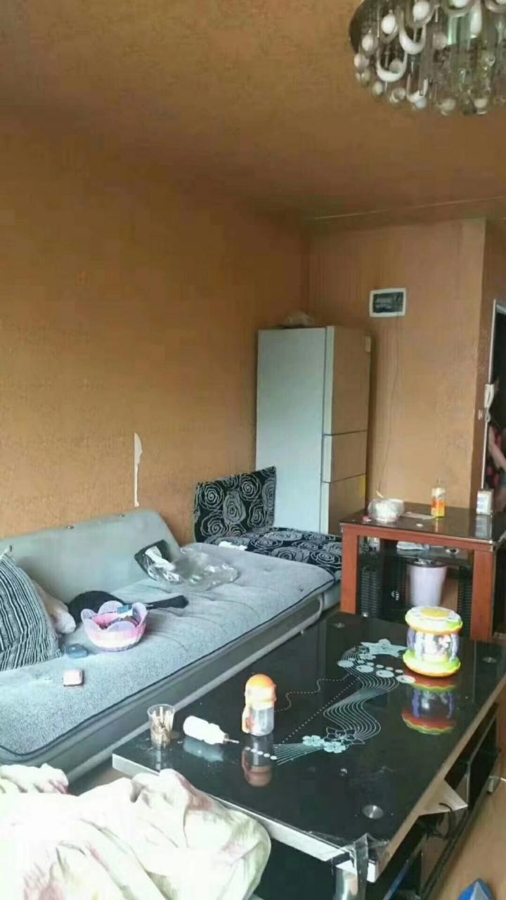 磷矿小区3室 2厅 1卫23.8万元