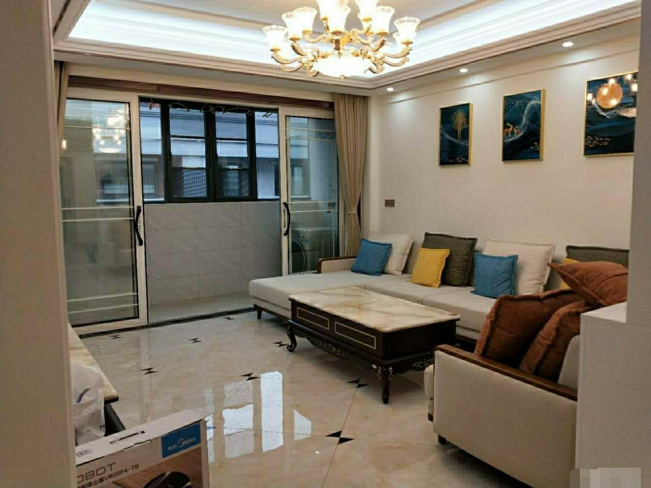 龙鑫广场4室 2厅 2卫42万元