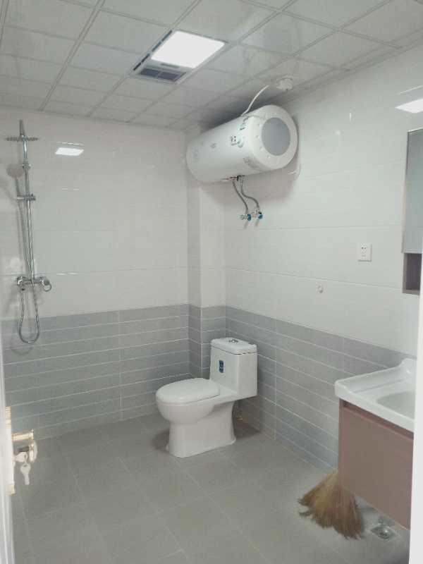 阳光家园B区2室 2厅 1卫42.8万元