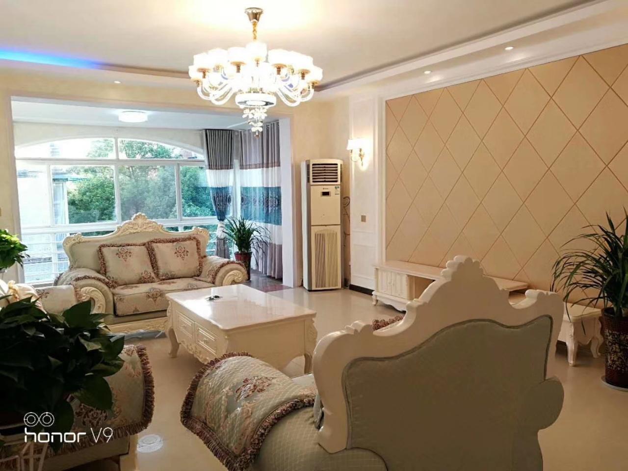 香榭丽花园4室 2厅 2卫99.8万元