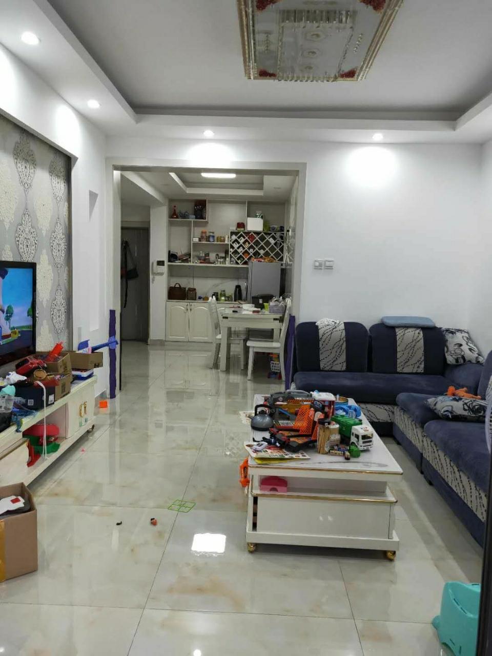 永久綠洲豪庭2室 2廳 1衛95萬元