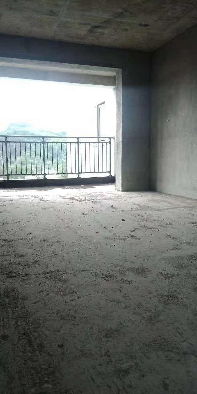 楚天華庭3室 2廳 2衛51萬元