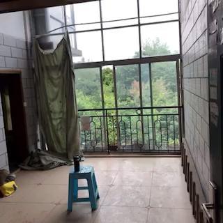 建委附近 耀層3室 2廳 2衛50萬元