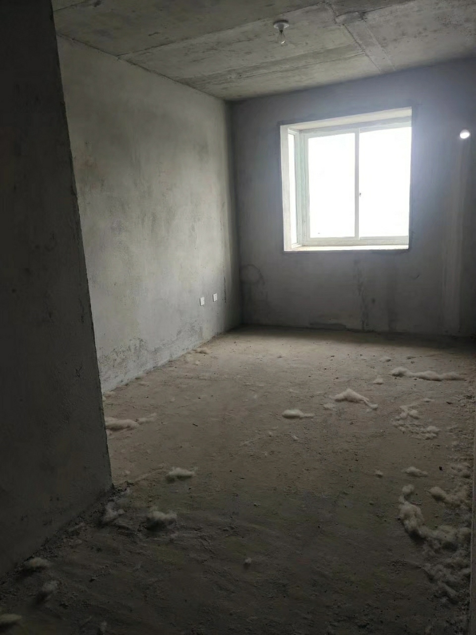 梨都华庭3室 2厅 1卫37万元