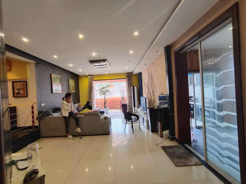 yabo88亚博体育app商业城4室 2厅 2卫93万元