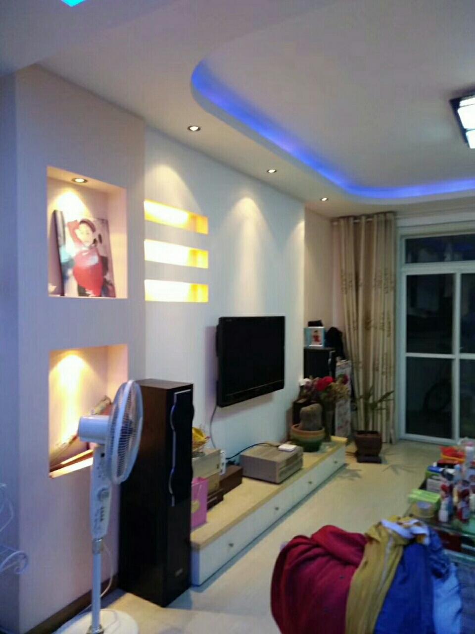 翠竹家园3室 2厅 2卫87.8万元