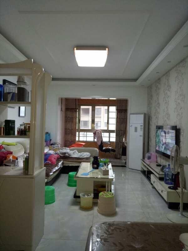 世紀花城2室 2廳 1衛55萬元