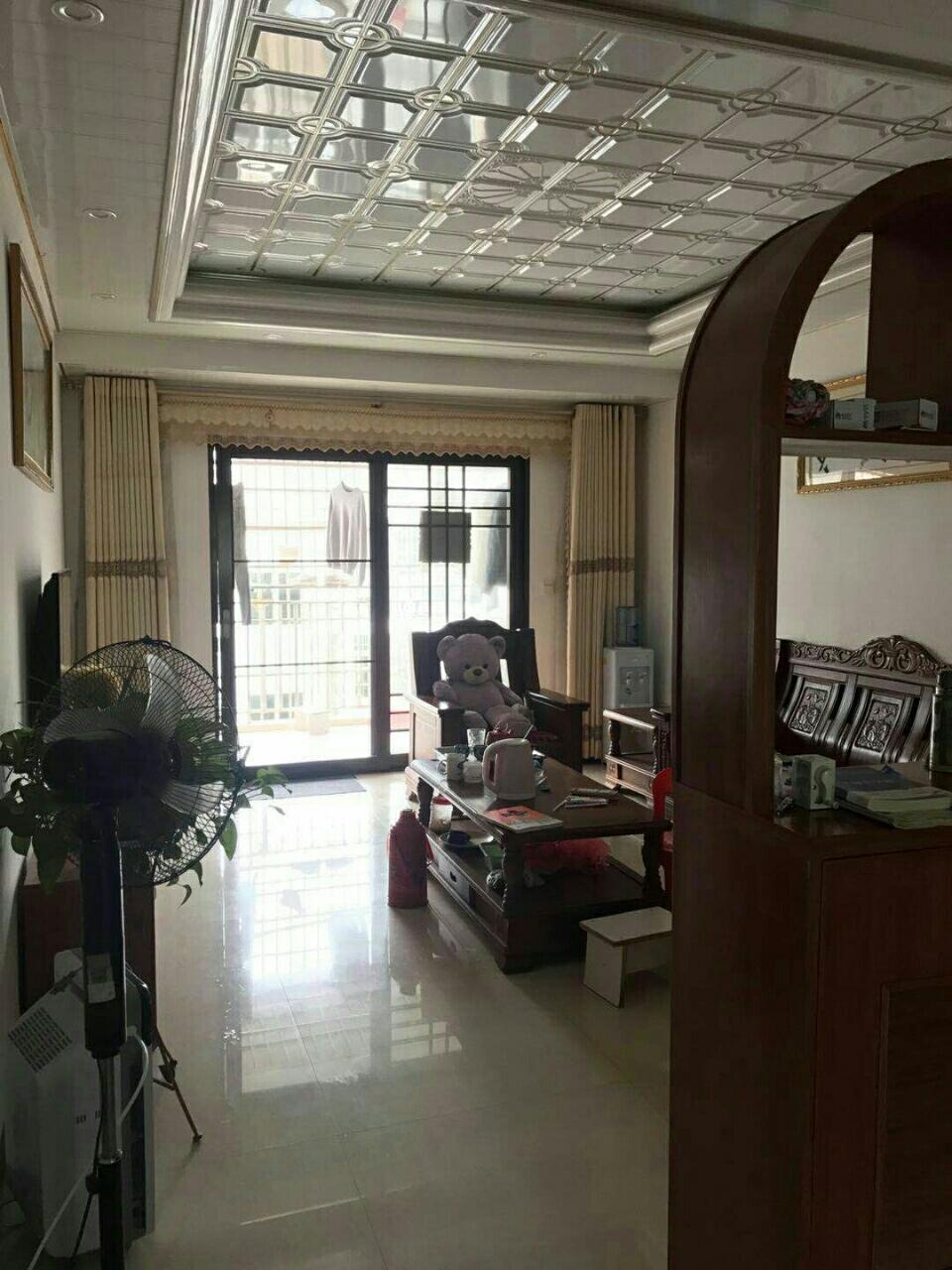 贵源新城精装修 3室 2厅 2卫带车库 72万元