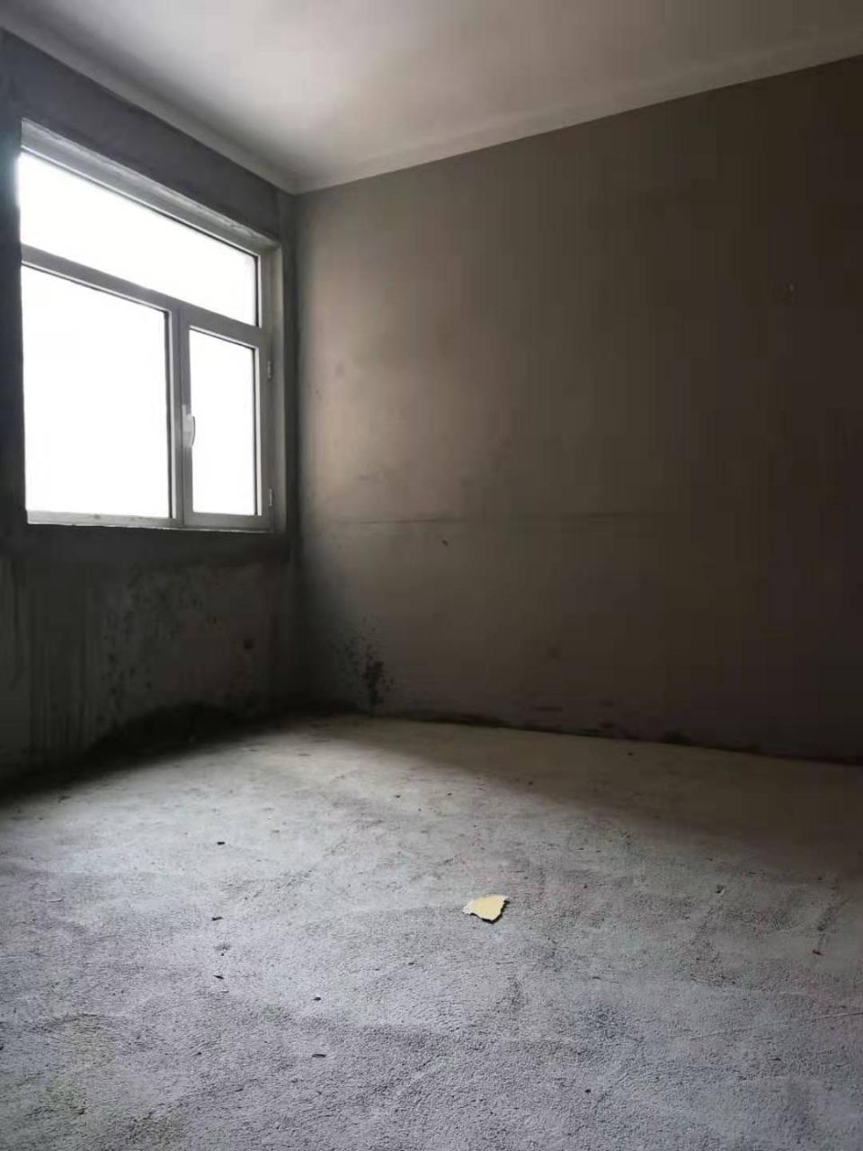 健康路2室 2厅 1卫46万元