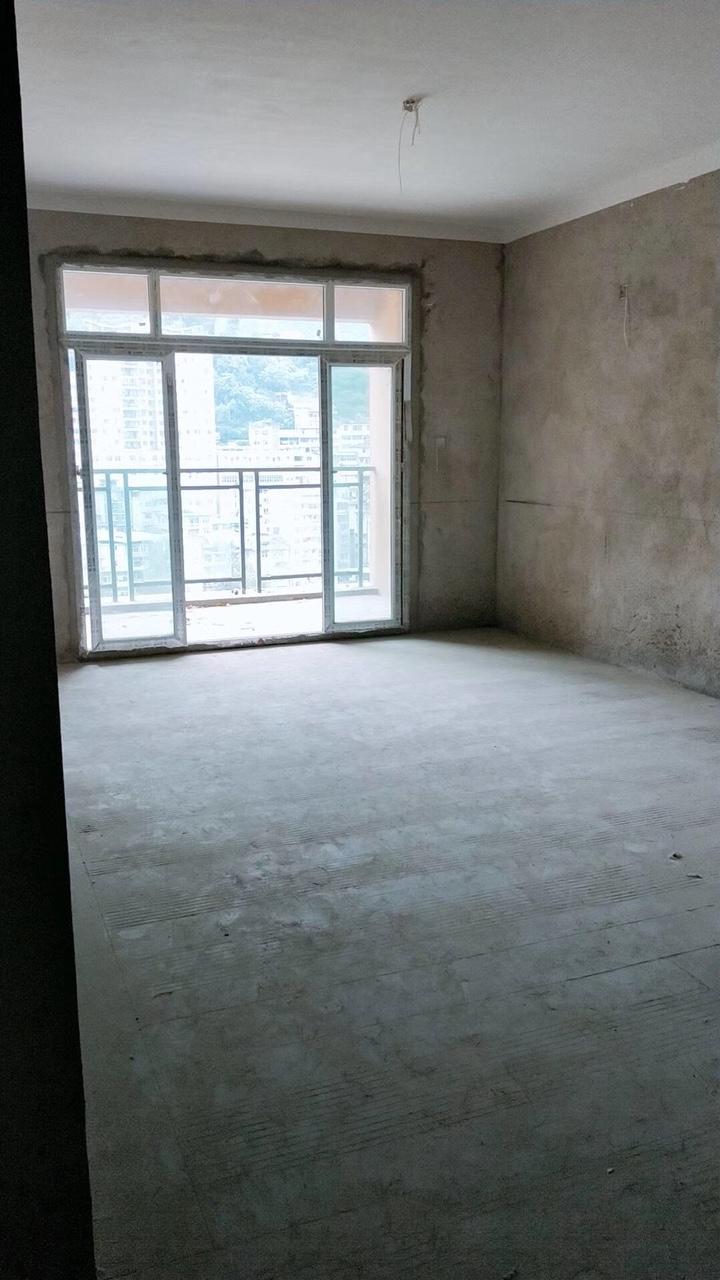 金河湾3室 2厅 2卫76万元