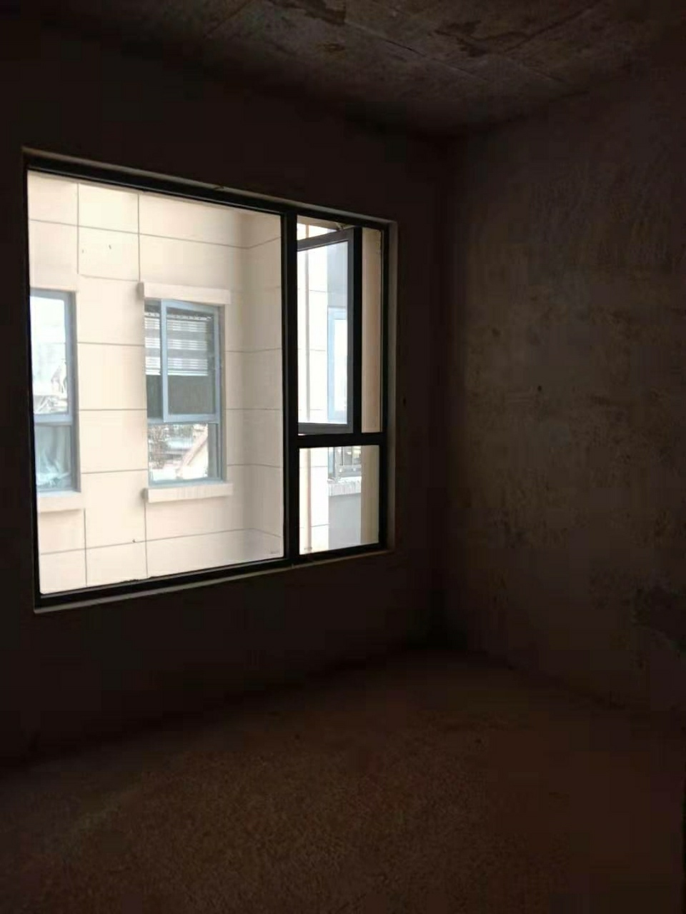 新天地3室 1厅 1卫43.8万元