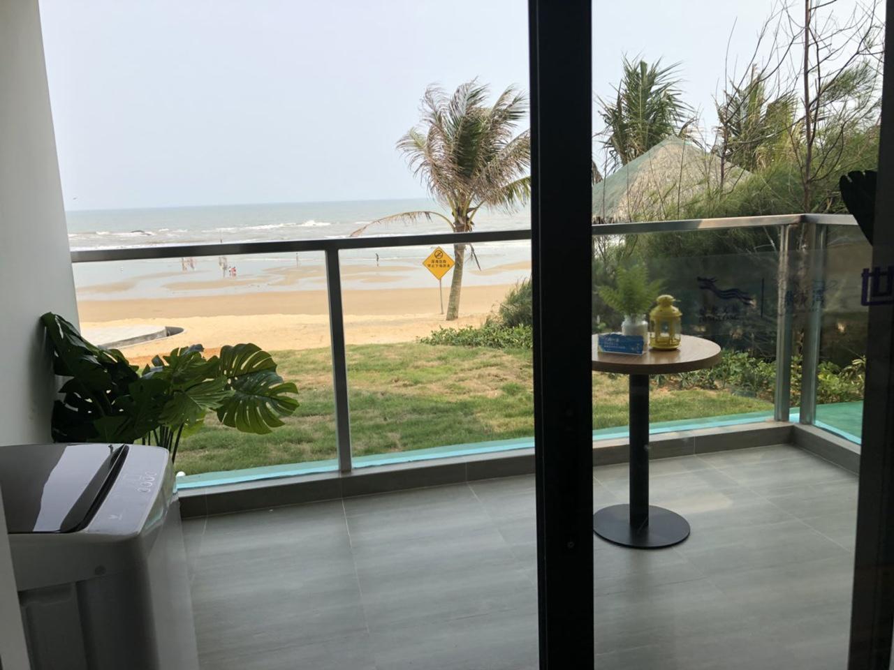 鼎龙湾一线海景房,带装修家私家电,可做按揭,可托管