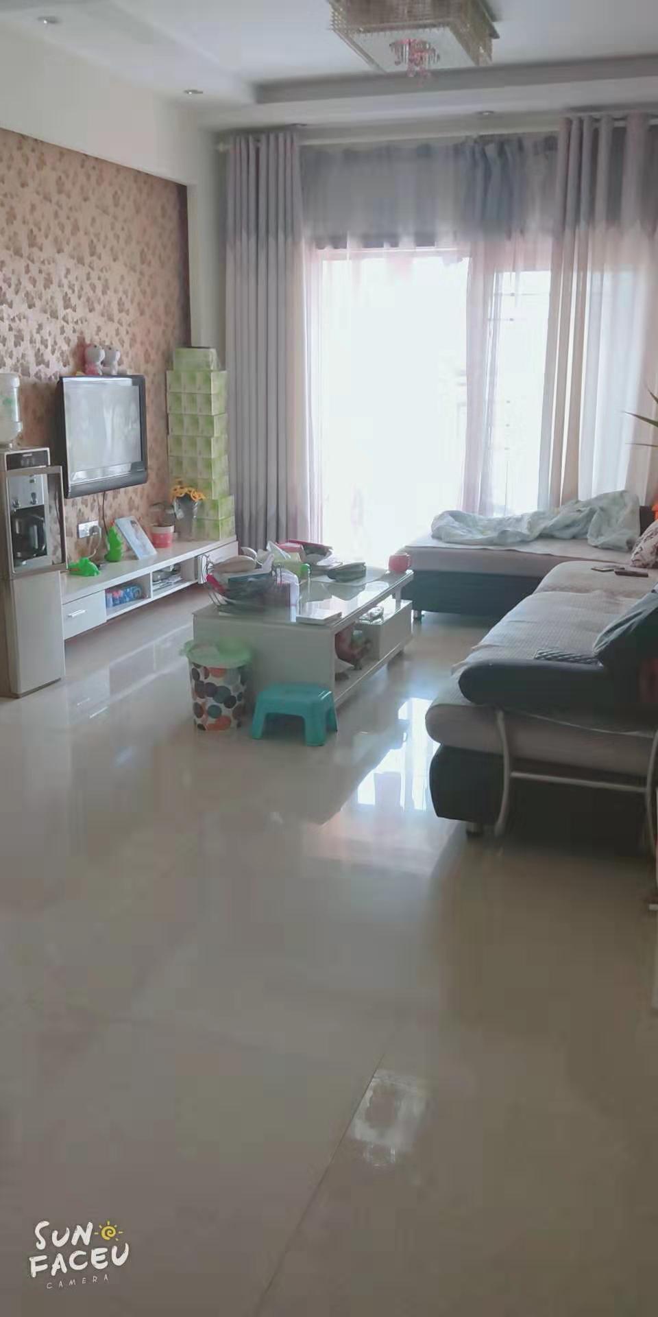 領秀邊城2室 裝修好41.8萬元