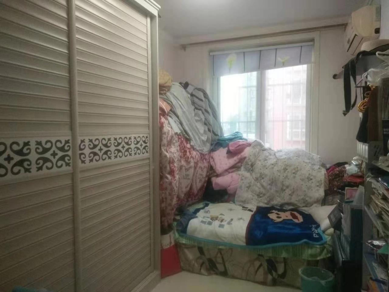 东泰家园4室 2厅 2卫61万元