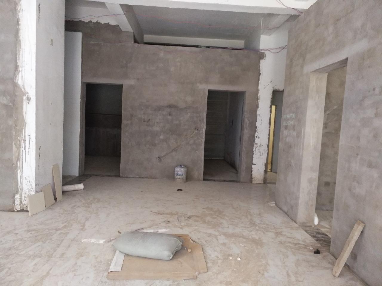 锦绣富汇新城1楼130平米3室 2厅 1卫28万元