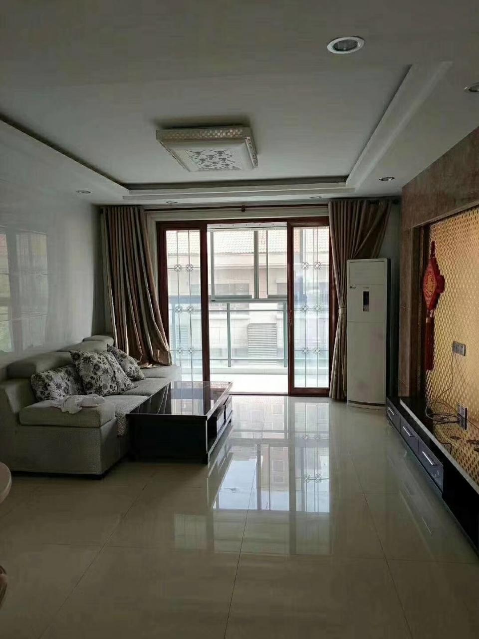 鸣翠山庄3室 2厅 2卫132万元
