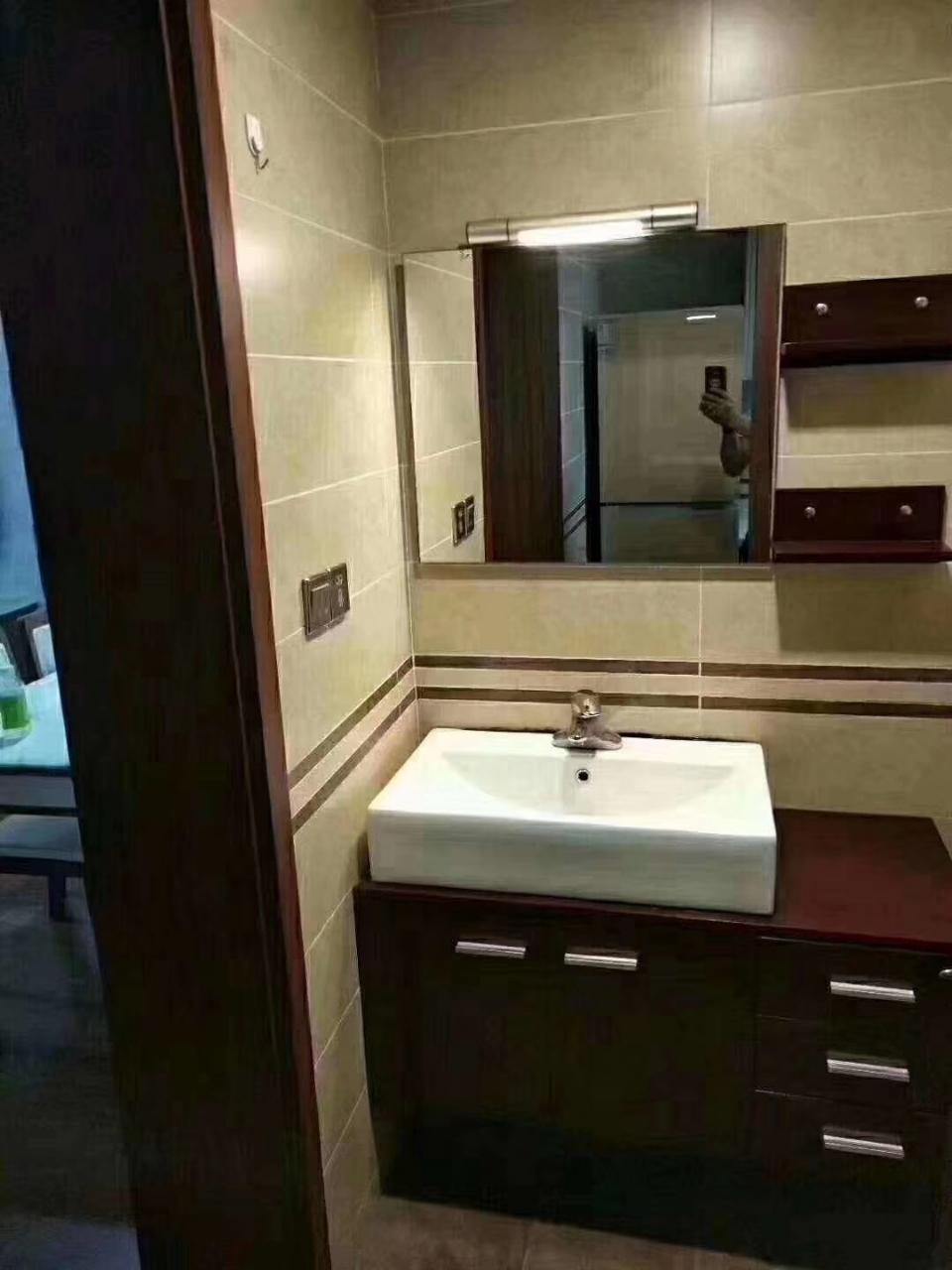 丽都滨河3室 2厅 2卫76万元