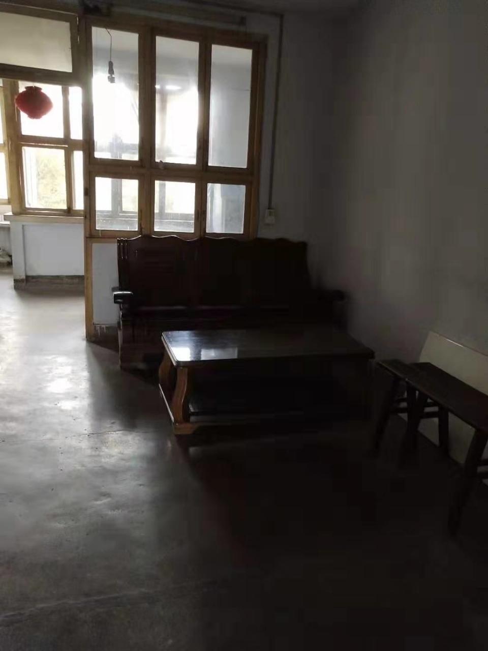 滨江广场附近小区房3室 2厅 1卫33.8万元