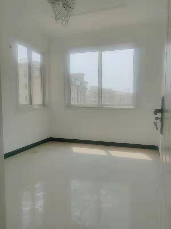 万景观邸3室 2厅 2卫72万元