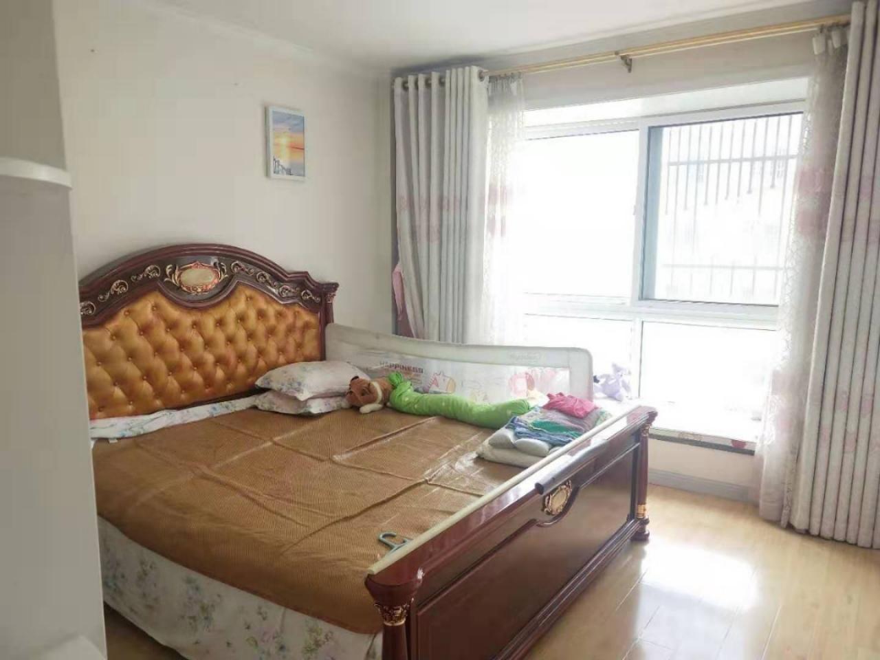 龙门山庄3室 3厅 2卫128万元