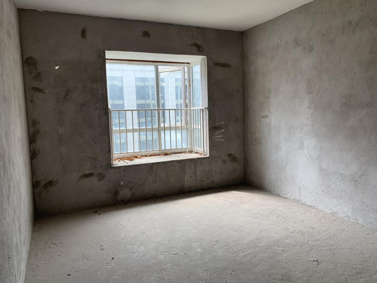 龙凤夏威夷3室 2厅 2卫60万元  毛胚 高性价