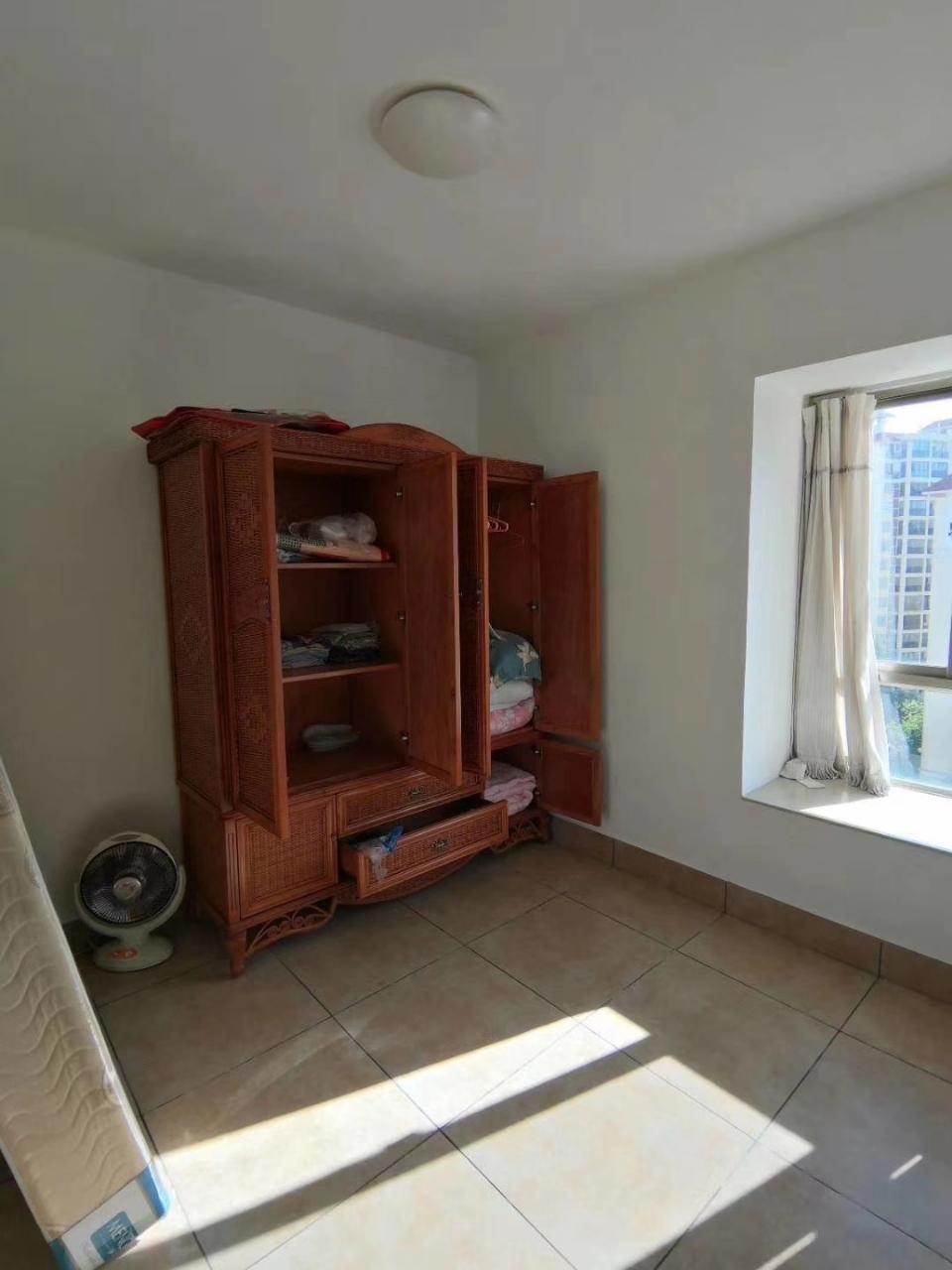 花半里3室 2厅 2卫122万元