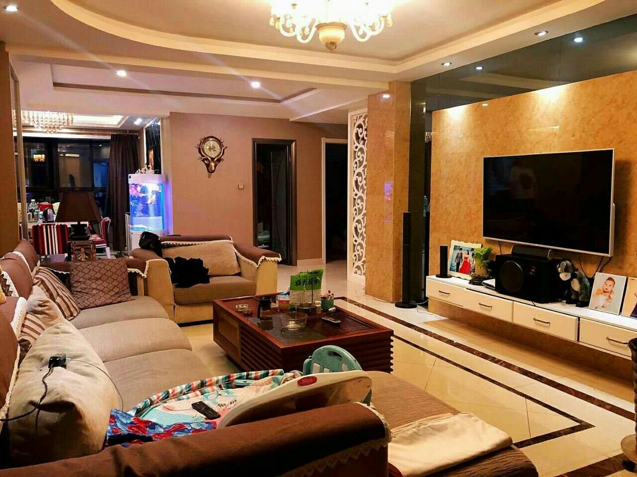 水岸人家136平米3室 2厅 1卫6楼76.8万元