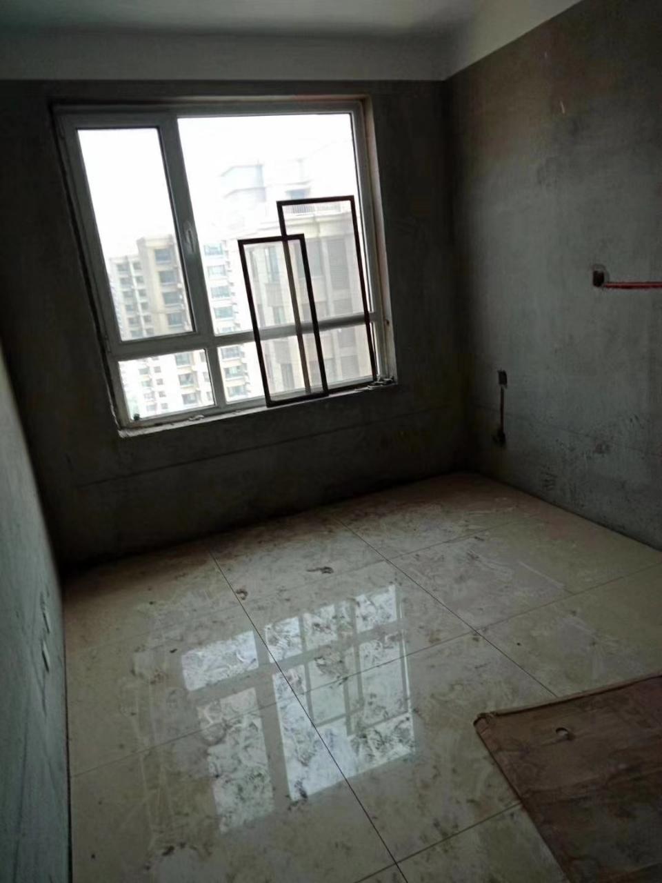 大海经典带储3室 2厅 2卫101万元