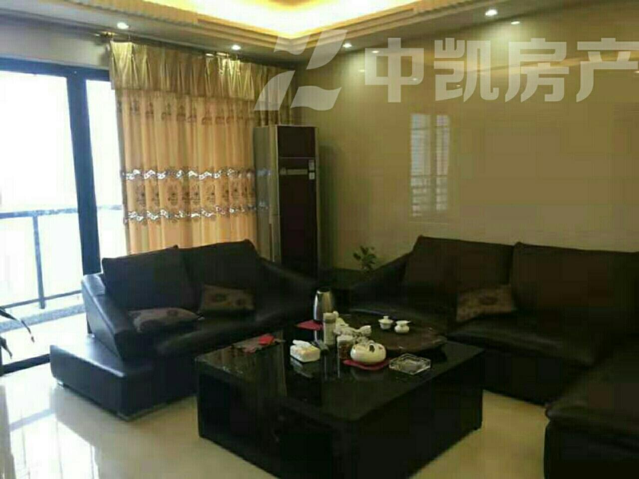 金龙现代广场 4室 2厅 2卫210万元