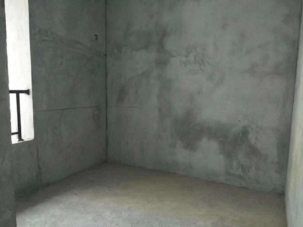 时代广场3室 2厅 2卫70万元