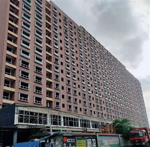 梨花苑高层电梯房3室 2厅 1卫31万元