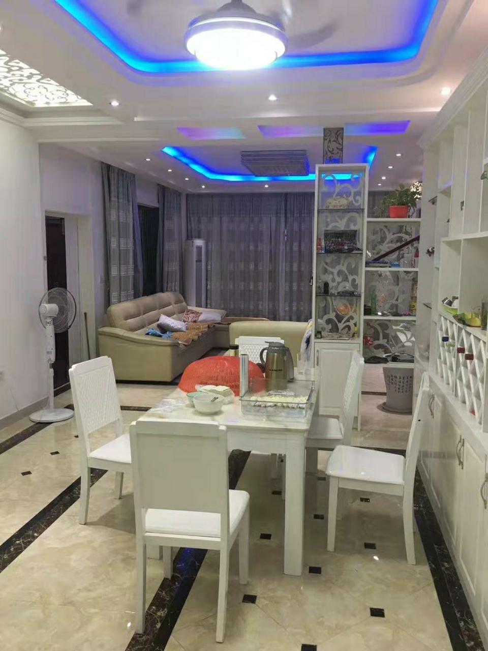 春江花园3室 2厅 2卫118万元