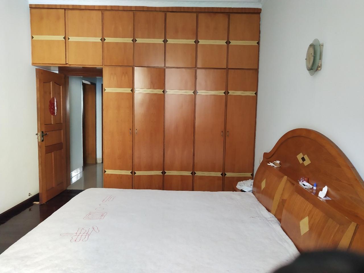 后南街交警队旁3室 2厅 2卫65万元