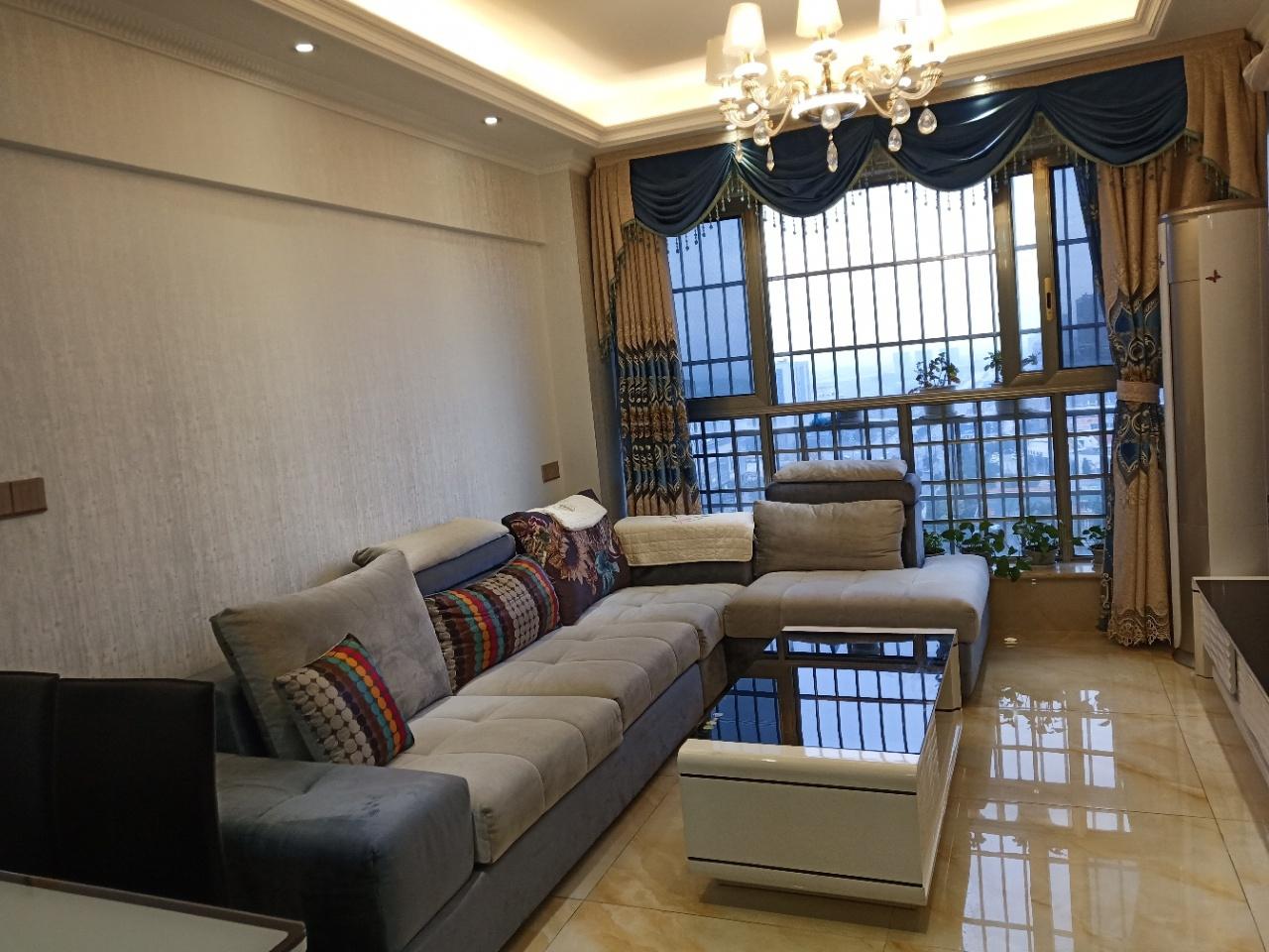 中央公园20楼产权65平实得120平3室 2厅 2卫93.8万元