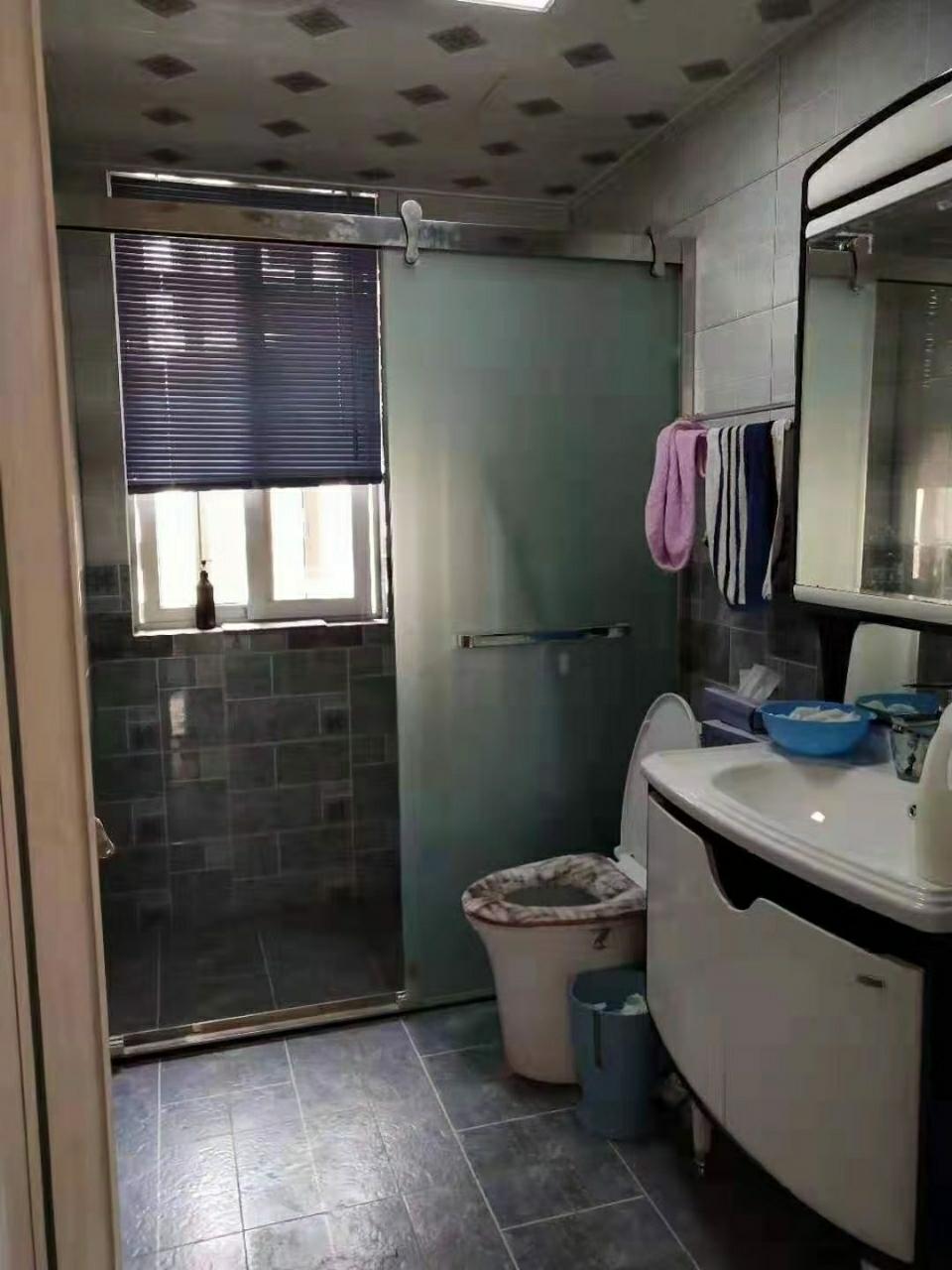帝景公馆3室 1厅 2卫65万元