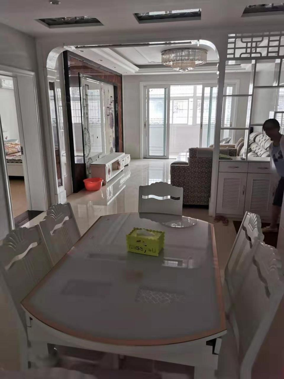 建国新村前面200米4室 2厅 1卫41万元