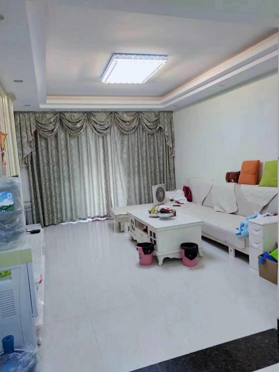 桃江龙城精装修,中间楼层3室 2厅 1卫81万元