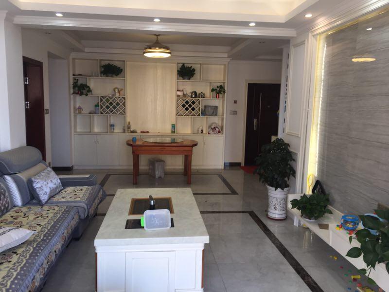 桃江龙城3室 2厅 2卫93万元