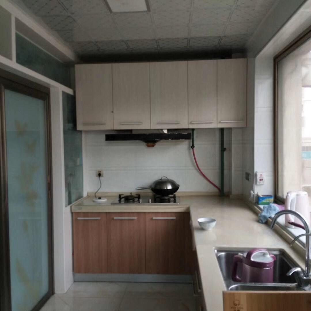紫轩二期3室 2厅 1卫68万元