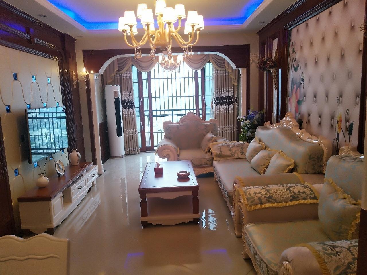 侨城·御景5室 2厅 2卫139.8万元