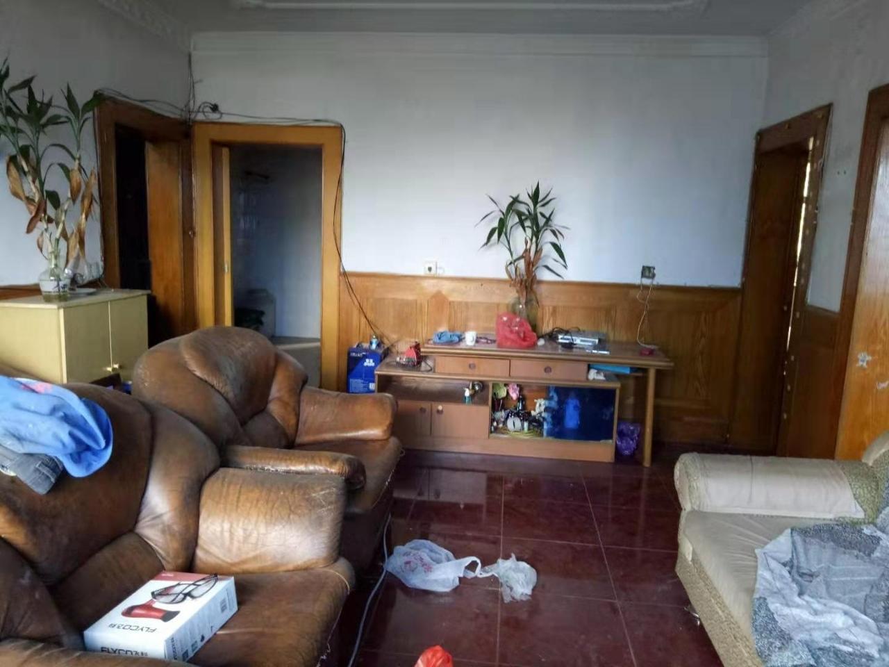 一小附近3室 1厅 1卫34.8万元