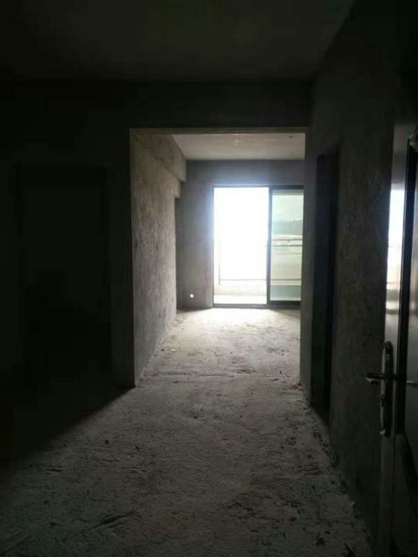 隆恩公馆3室 2厅 1卫63万元