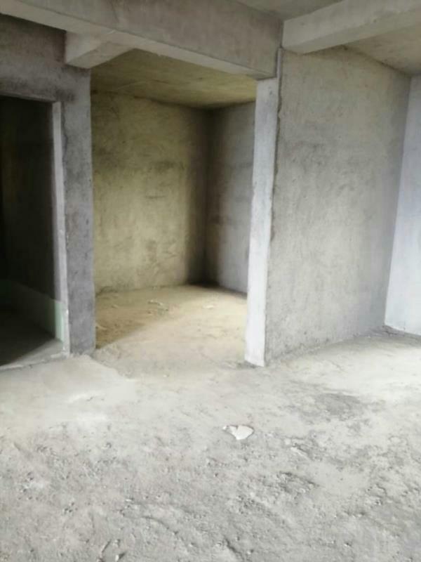 山水湾4室 2厅 2卫150万元