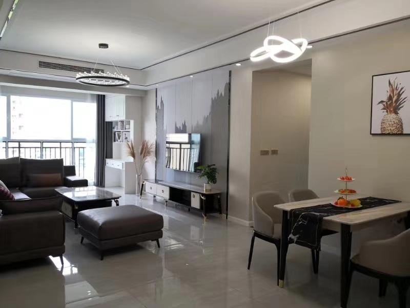 龙腾御景新城3室 2厅 2卫83.8万元