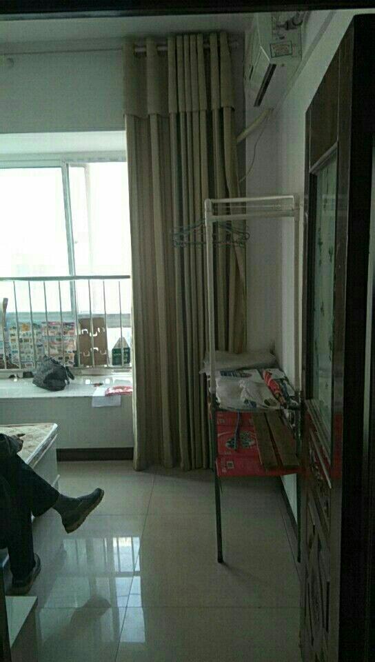 一峰公寓房2室 1厅 1卫32万元