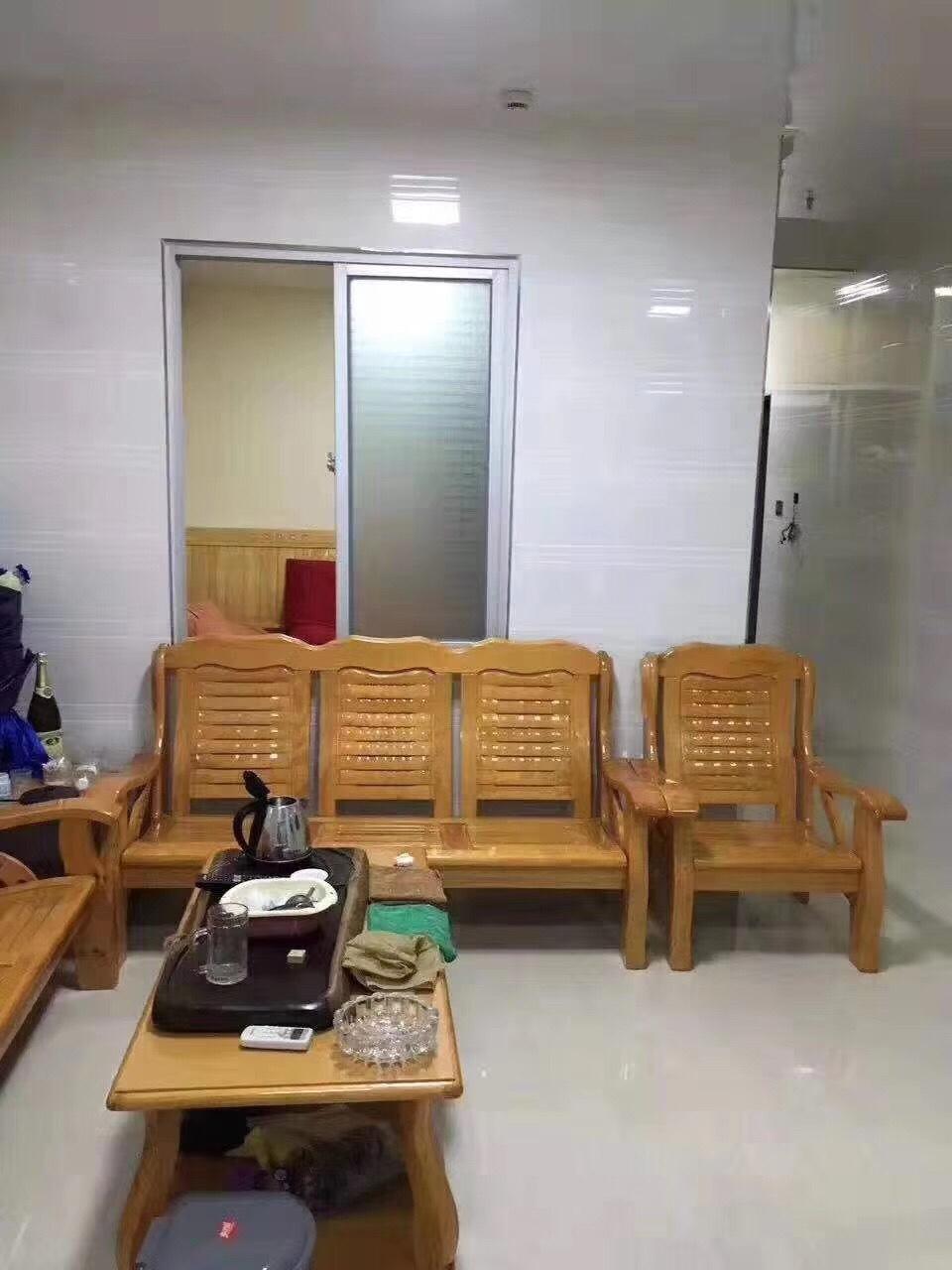 宝龙公寓,54.78平方,低层,中等装修,仅售50