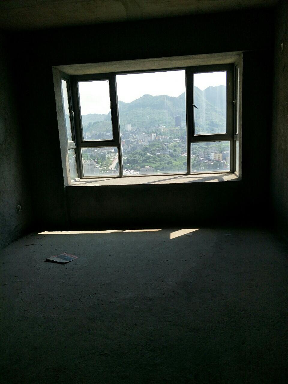 青崗林廉租房復式樓107平米38萬元